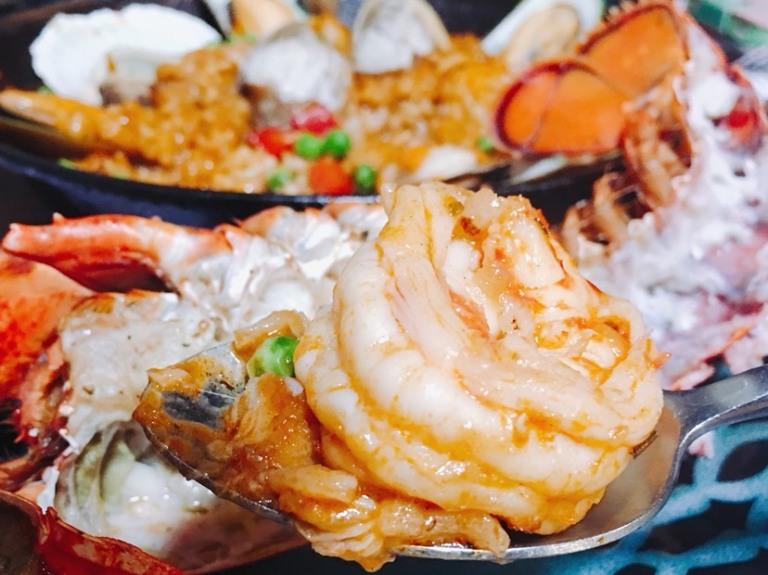 靠吃海鲜就能吃饱的海鲜饭 用料真实在